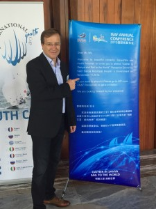 Jürgen with the poster-invitation for the dinner of the Chinese Yachting Federation